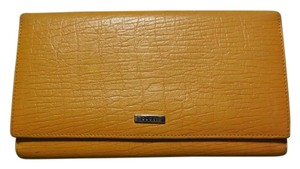 Gucci Gucci Textured Leather Large Wallet Orange/Yellow