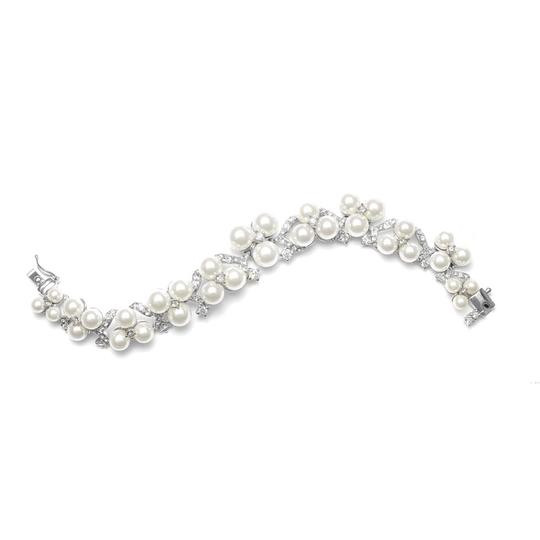 Silver/Rhodium Luxe Pearls Crystals Bracelet