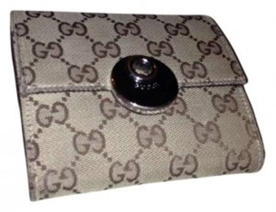 Preload https://item3.tradesy.com/images/gucci-brown-women-s-monogram-wallet-168497-0-0.jpg?width=440&height=440