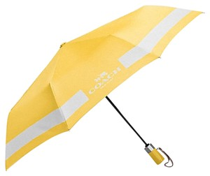 Coach COACH F63689 HORSE AND CARRIAGE UMBRELLA CANARY/CHALK NEW WITH TAG