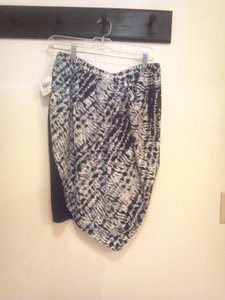 JW Style Skirt Black w/ white, black and grey patterned design