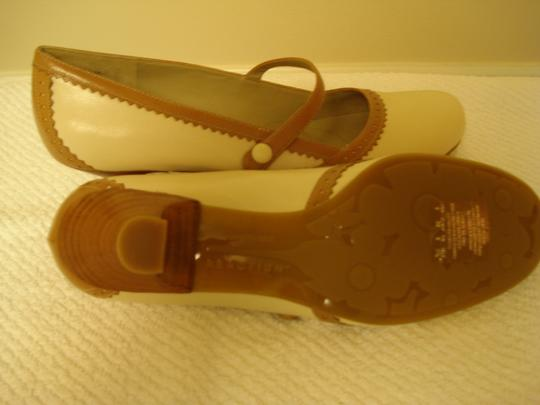 Kenneth Cole Leather Mary Janes Cream / Tan Trim Pumps