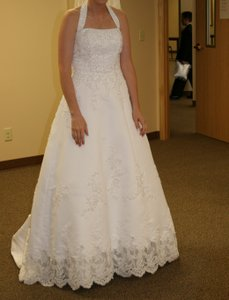 David's Bridal David's Bridal Satin Halter A-line Gown With Beaded Lace Applique V8377 Wedding Dress