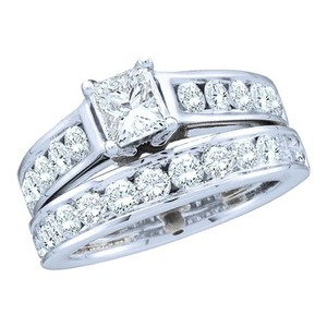 Ladies Luxury Designer 14k White Gold 1.00 Cttw Diamond Engagement Ring Fashion Bridal Set