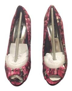 White House | Black Market Pink Floral Fabric Pumps