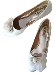 Badgley Mischka White Flats