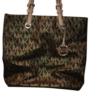 MICHAEL Michael Kors Tote in Brown/Gold