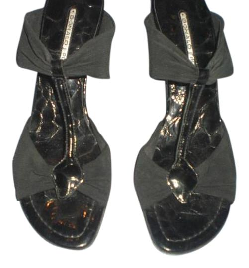 Preload https://img-static.tradesy.com/item/16862881/donald-j-pliner-black-crepecroco-embossed-heels-m-sandals-size-us-8-regular-m-b-0-2-540-540.jpg