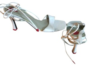 Colin Stuart white Pumps
