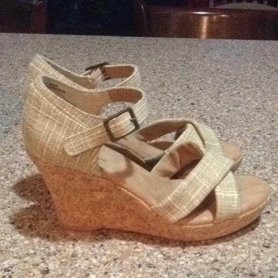 White Mountain Tan & Cream Wedges
