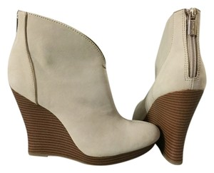 Jennifer Lopez Ivory Gold Zip Up Bootie Boot Natural Wedges