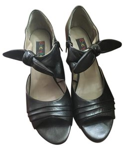 Everybody by BZ Moda Leather Comfortable Open Toe Leather Bow Size 41 Black Pumps