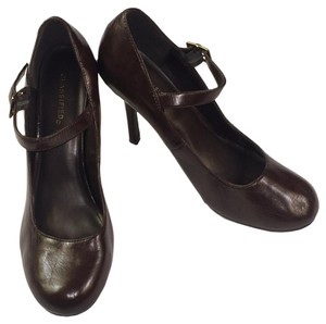 Classified Leather Padded Insole Womens Mahogany Brown Pumps