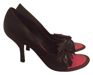 Two Lips Aleana Black Pumps