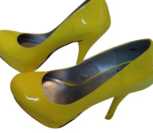 Other Dahlia Neon yellow Pumps
