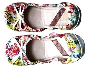 ZIGI NEW YORK Flowers Low Hill Comfortable Cute Multicolor Flats