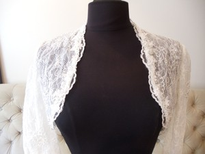 Ivory Lace Bolero With 3/4 Sleeve