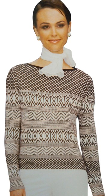 Preload https://item3.tradesy.com/images/st-john-cocoa-brown-knits-md-bright-white-2-piece-pants-santana-sweaterpullover-size-8-m-1688547-0-2.jpg?width=400&height=650