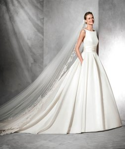 Pronovias Tami Wedding Dress