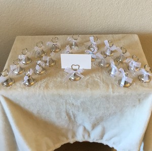 20 Kissing Bell Place Card Holder
