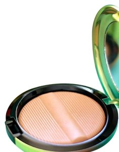 MAC wash and dry MAC Studio Sculpt Bronzing Powder