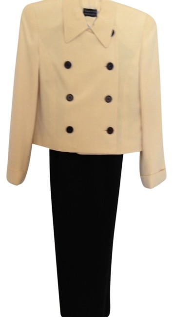 Preload https://item2.tradesy.com/images/spenser-jeremy-yellow-top-black-pant-suit-size-4-s-1688976-0-0.jpg?width=400&height=650