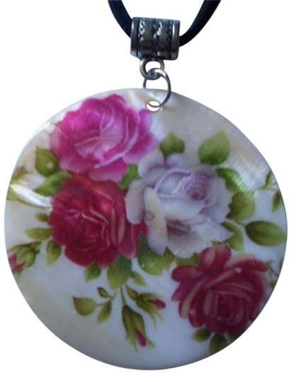 Handmade New roses on mother of pearl necklace