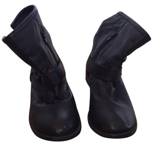 MIA Black and metal buckles Boots