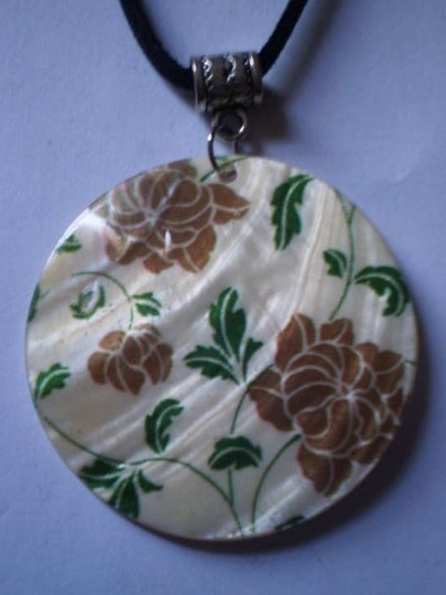 Other New Flowers on mother of pearl necklace
