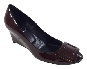 Roger Vivier Patent Patent Leather Leather Deep Maroon/ Bordeaux Wedges