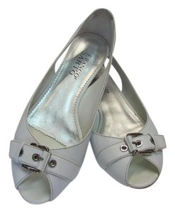 Franco Sarto Very Good Condition Size 7.00 M Leather White Flats