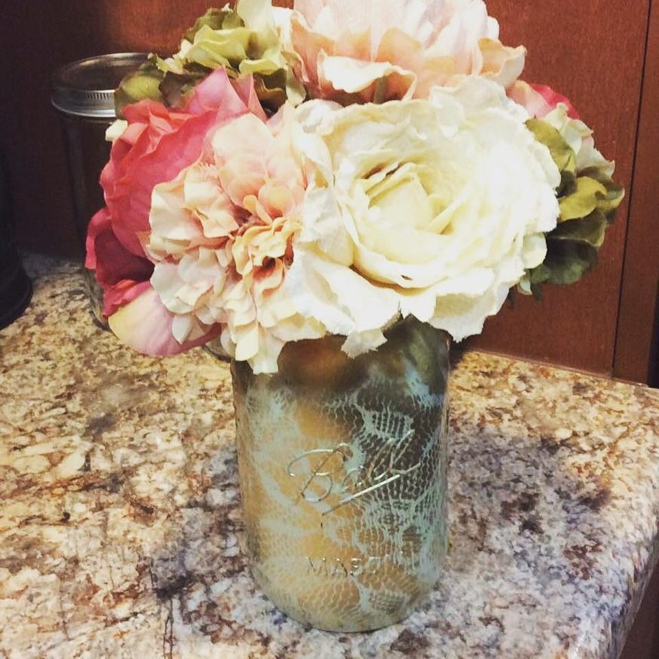 Enjoyable Ball Ivory And Gold 20 Hand Painted Lace Overlay Mason Jars Centerpiece 26 Off Retail Interior Design Ideas Oxytryabchikinfo