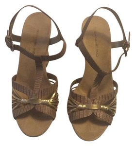Bandolino Brown and gold Sandals