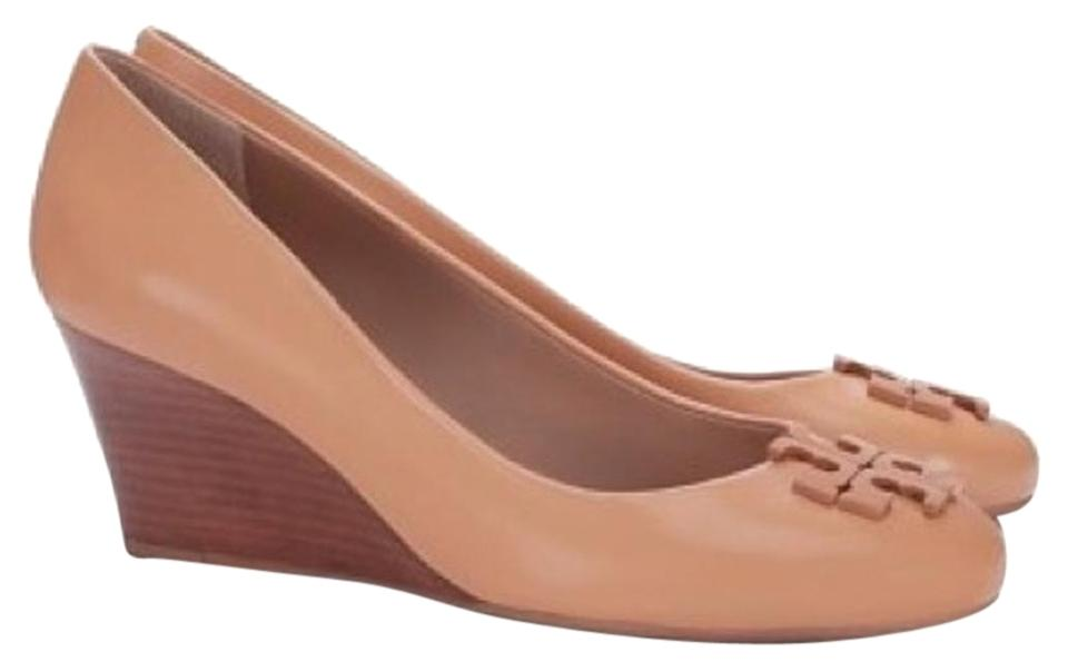 0eeec81ded2a Tory Burch Blond Lowell Wedges Size US 7 Regular (M