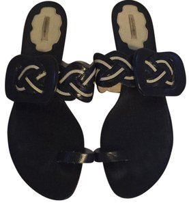 Max Studio Black & White Sandals