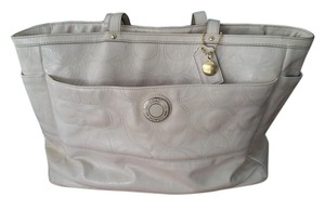 Coach Carry-all Signature Tote in Ivory
