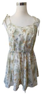 Kimchi Blue Floral Whimsical Bohemian Top Ivory