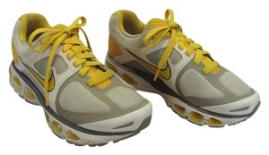 Live strong Size 6.50 M Good Condition Yellow, White. Gray, Athletic