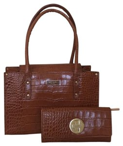 Kate Spade Crocodile Embossed Leather Wallet Satchel in Cognac, Caramel