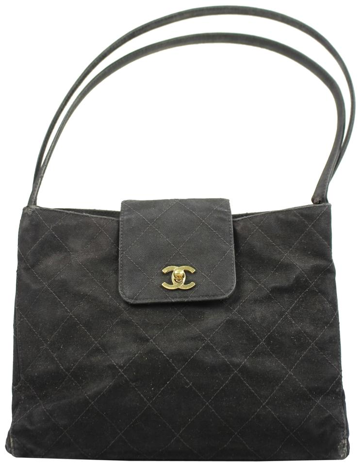 Chanel Hobo Signature Quilted Turnlock Flap Shoulder Bag