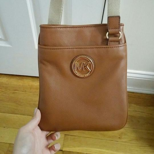 Michael Kors beige/ brown Messenger Bag