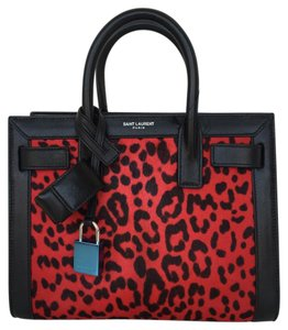 Saint Laurent Tote in New Red Nero