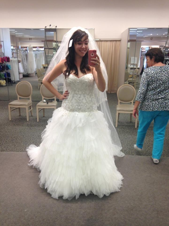 6385edd9a8f David s Bridal Ivory Tulle and Beaded Lace V3665 Formal Wedding Dress Size  12 (L) ...
