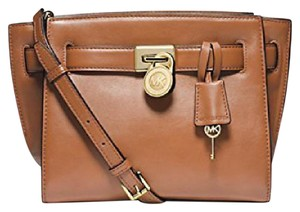 MICHAEL Michael Kors Gold Hardware Crossbody Strap Adjustable Strap Logo Leather Luggage (brown) Messenger Bag