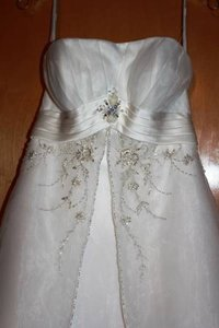 Alfred Angelo Ivory / Silver Orgaza Satin 2086 Traditional Wedding Dress Size 4 (S)