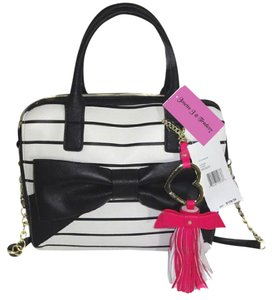 Betsey Johnson Stripe Cross Body Striped Satchel in bone/black stripe