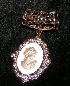Cameo Ladies Scarf Pendant Charm Free Shipping