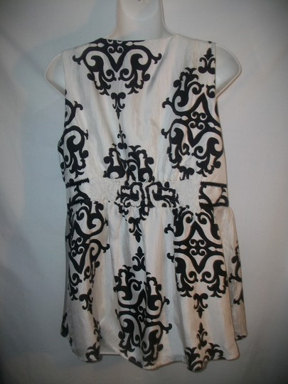 White House | Black Market 100% Silk Sleeveless Top White And Black 60%OFF