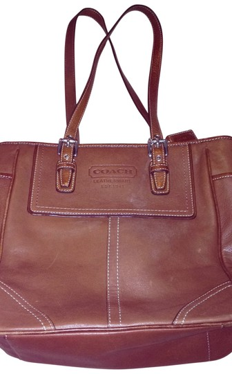 Coach Tote in camel leather