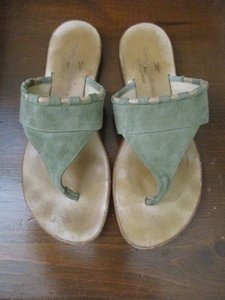 Tommy Bahama Suede tan & sage green Sandals